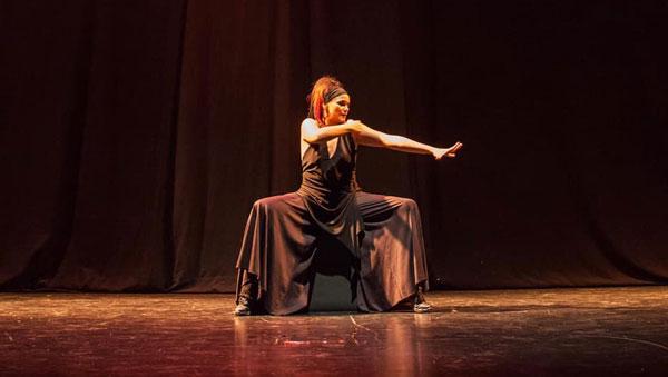 Bailando el silencio Los Corrales de Buelna